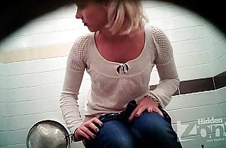 Successful voyeur porn video of the toilet. View from the two cameras.