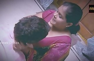 Chubby Indian Desi Lady enjoy sex with younger man