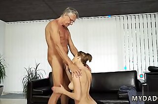 Daddy throat with her boypatrons father after swimming pool